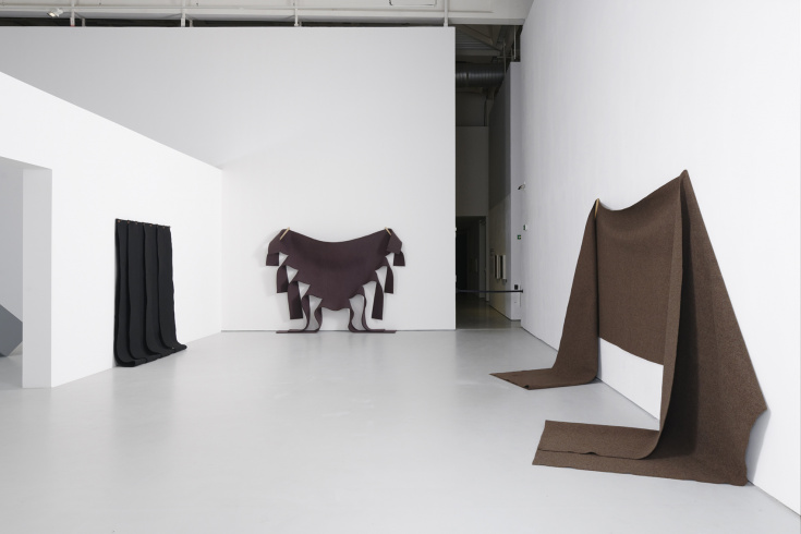 "Robert Morris, from l. to r. ""Untitled"", 1976; ""Untitled (Brown Felt)"", 1973; ""Untitled (Felt Piece)"", 1974"